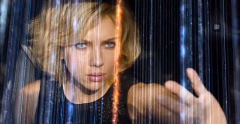 clairestbearestreviews_filmreview_lucy_scarjo