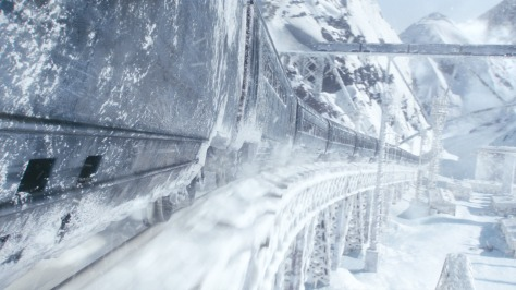 clairestbearestreviews_filmreview_snowpiercer_train