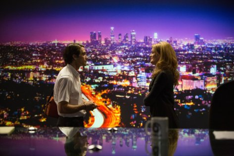 clairestbearestreviews_filmreview_nightcrawler_jake_rene