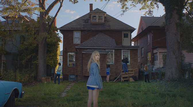 FILM REVIEW: It Follows