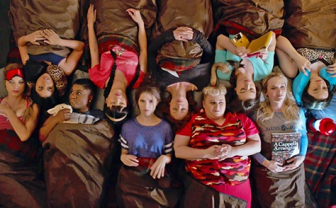clairestbearestreviews_filmreview_pitchperfect2_sleepover