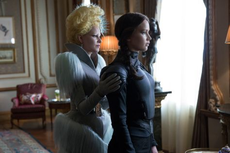 clairestbearestreviews_filmreview_hungergames_mockingjay_part2_effie