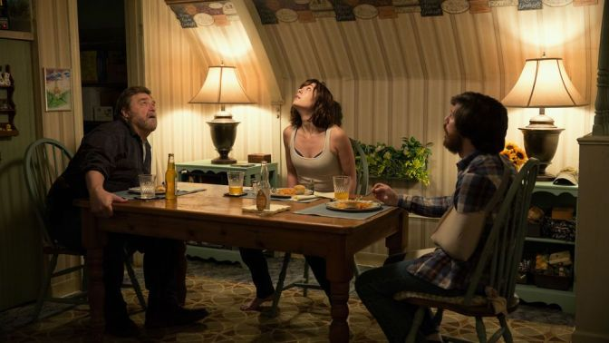 FILM REVIEW: 10 Cloverfield Lane