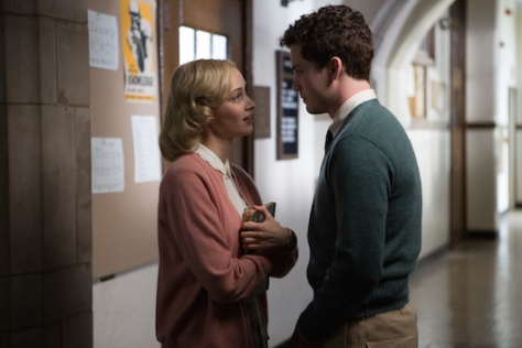 clairestbearestreviews_filmreview_indignation_couple