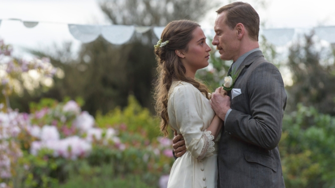 Short 'n' Sweet Reviews: The Light Between Oceans, Hacksaw Ridge, & Arrival